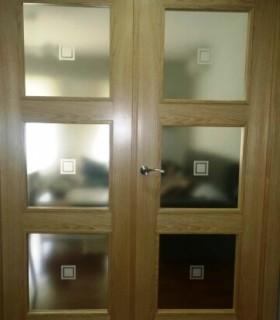 Puerta Blindada y Puertas Lisas de Madera