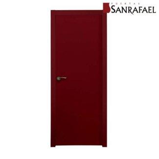 Puerta color burdeos