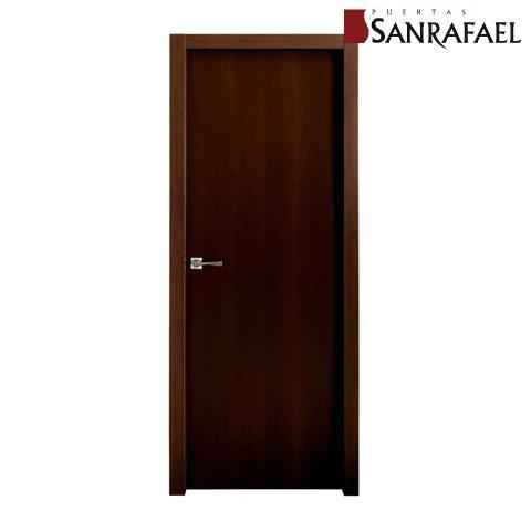 Puerta efecto madera wengué