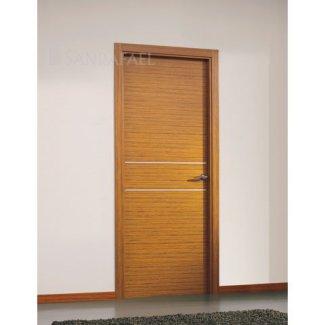 Puerta en madera teka unif. decoración aluminio