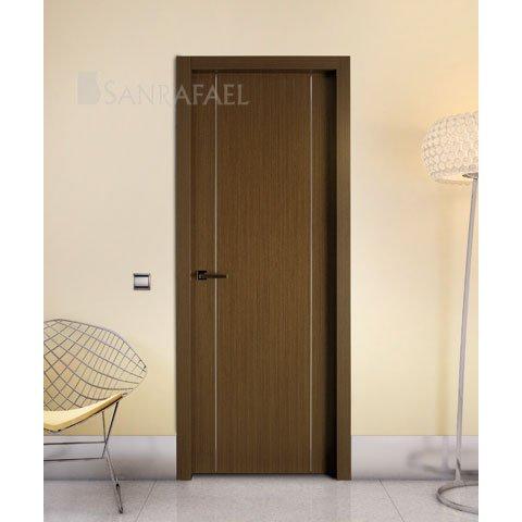 Puerta en madera wengue con decoración aluminio