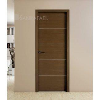 Puerta en madera de wengué con decoración aluminio
