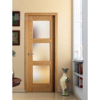 Puerta vidriera en madera de roble