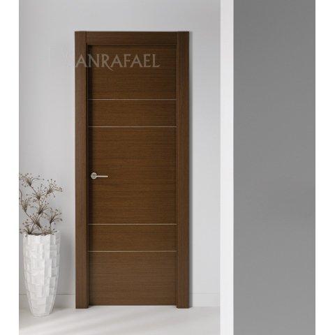 Puerta en madera de wengué y acanalados en plata