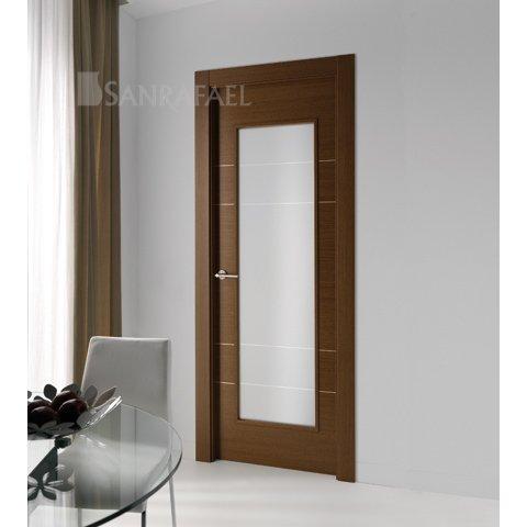 Puerta en madera de wengué con acanalado en plata