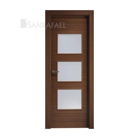 Puerta vidriera en madera wengué con acanalado en wengué