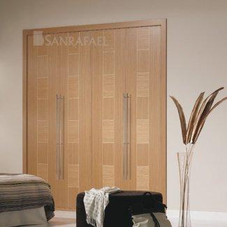 Puerta lisa de armario en madera roble uniforme