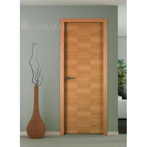 Puerta lisa en madera de cerezo