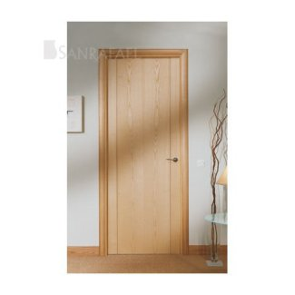 Puerta lisa en madera de fresno