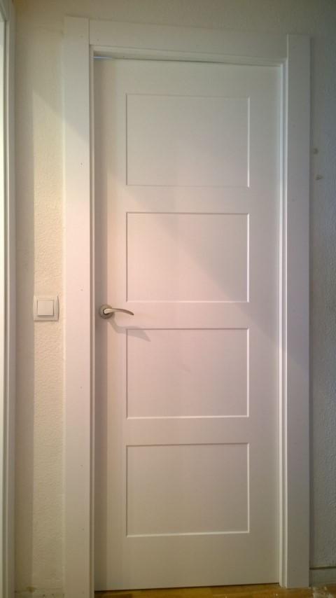 Puertas lacadas y puerta blindada exposici n puertas actur - Puertas de paso ikea ...