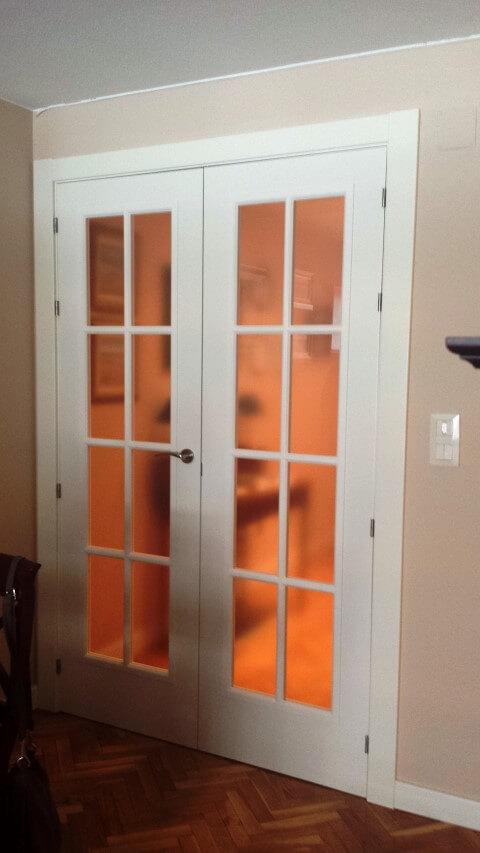 Frente armario y puertas lacadas exposici n puertas actur - Puerta corredera doble ...