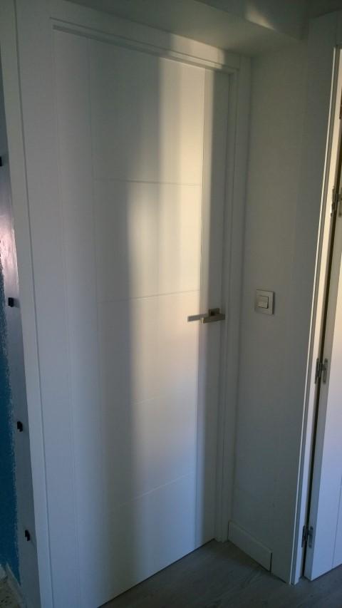 Puertas lacadas blancas exposici n puertas actur - Puertas paso blancas ...